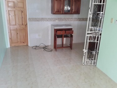 Self Contained 1 Bedroom Apartment