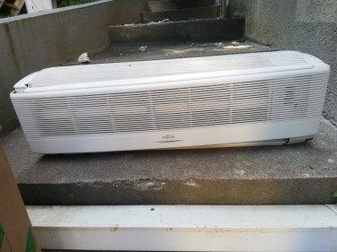 FUJITSU Air Condition 18000 BTU - USED FOR SALE
