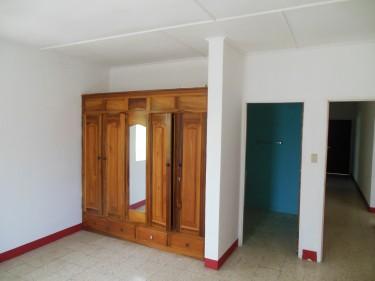 4 Bedroom, 3 Bathroom, 2 Family Flat