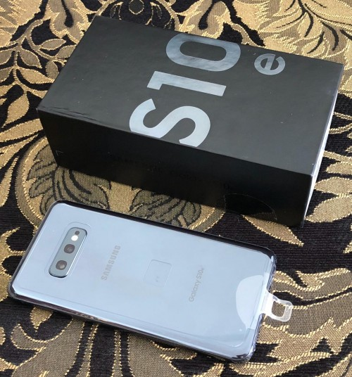 Brand New Samsung Galaxy, IPhone & Macbook