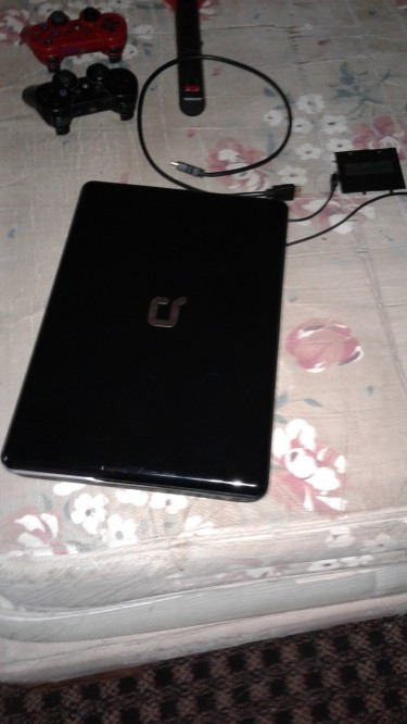 CLEAN COMPAQ LAPTOP 300gb HARDDRIVE,,4GB RAM