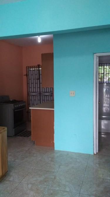 Studio Apartment With Private Driveway Quiet Area