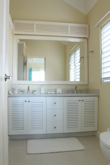 3 Bedrooms 2 Bathrooms
