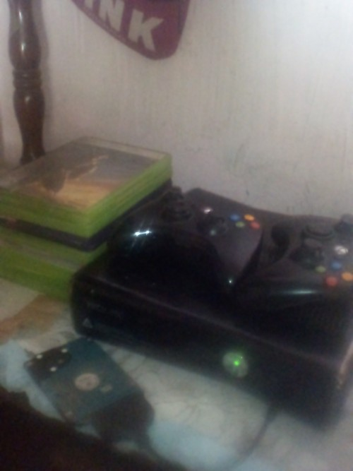 Xbox 360 For Sale Working Wide 2 Control 9cd 24k
