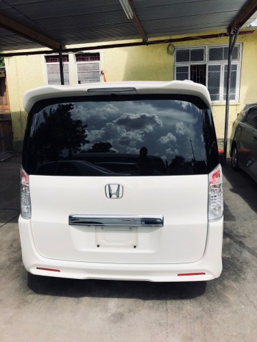 2010 Honda Step Wagon (Spada)