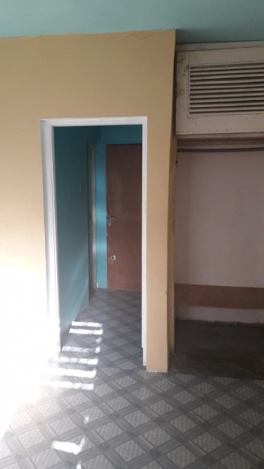 1 Bedroom With Bathroom And Small Kitchenette