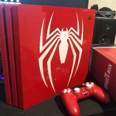 PlayStation 4 Console Spider Man Limited Edition