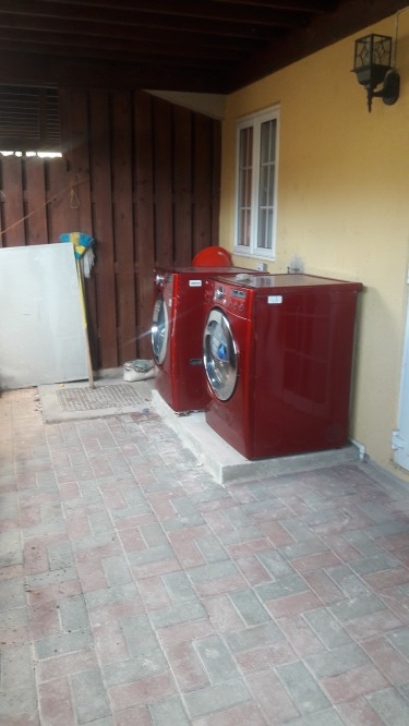 3 Bedrooms Furnished Townhouse
