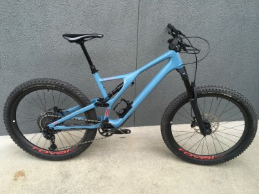 2019 Specialized Stumpjumper Expert 27.5 Large.