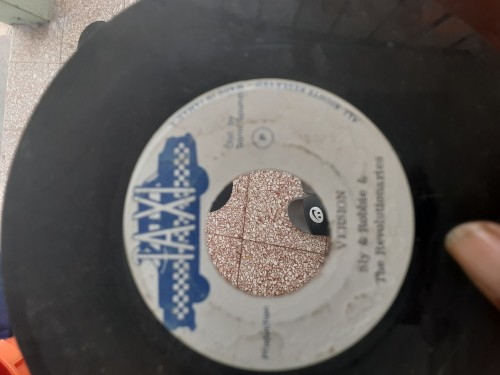 1 BOX OF SOUL RECORDS