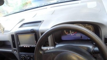 Nissan AD Expert 2012