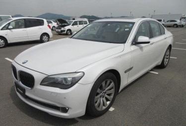 2011 BMW 740i