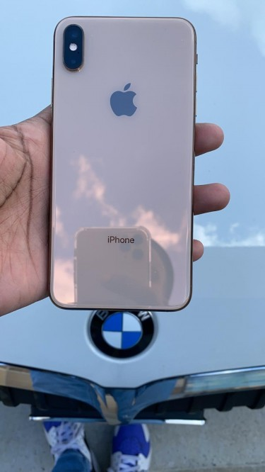 IPhone XS Max 256g  For Sale Cash Only