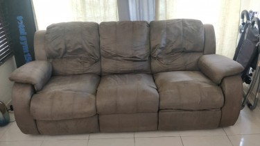 3 Seat Recliner Couch / Sofa