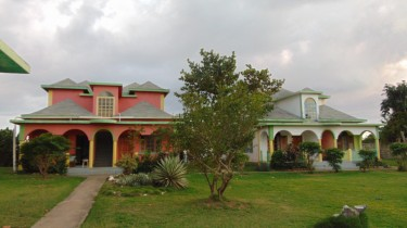 Over 6 Bedrooms Cottages