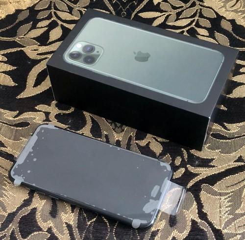 Brand New Samsung Galaxy & IPhones
