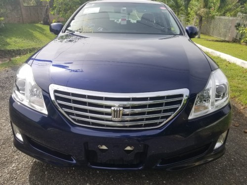 2010 Newly Imported Toyota Crown Royal Saloon For