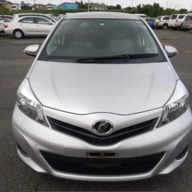 2014 Toyota Vitz Premium