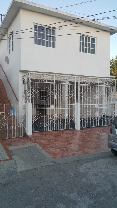 4 Units Self Contained Income Earner