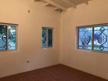 5 Bedroom 2 Living Room 4 Bathroom & Healper Room