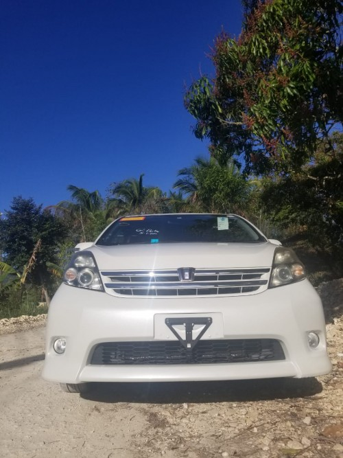 2010 Toyota ISIS Just Imported For Sale Price Nego