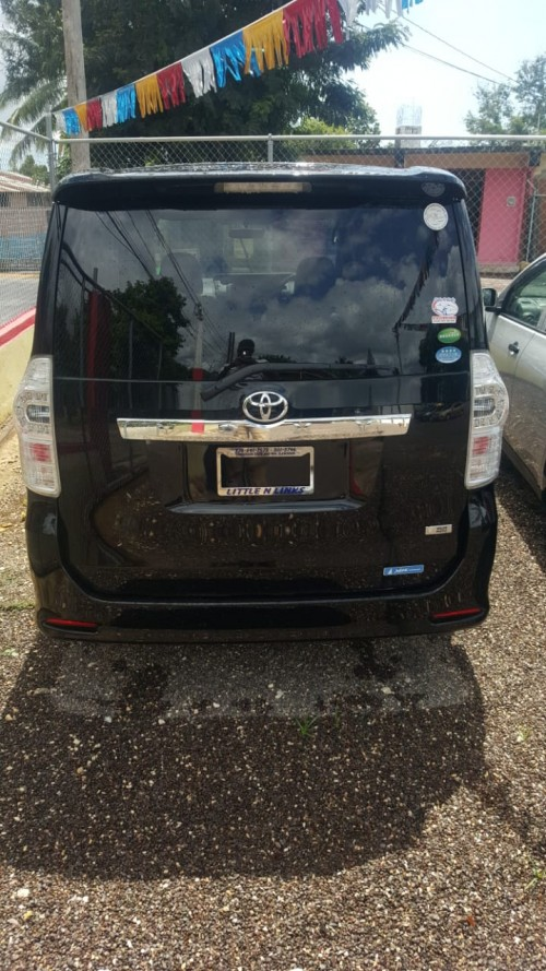 Toyota Voxy For Sale Excellent Conditions 2013