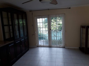 3 Bedroom, 3 Baths Townhouse In A Gated Community