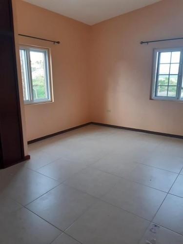 2 Bedroom 2 Bathroom With Helpers Quarter