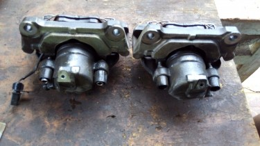 2003 Audi Front Brake Calipers