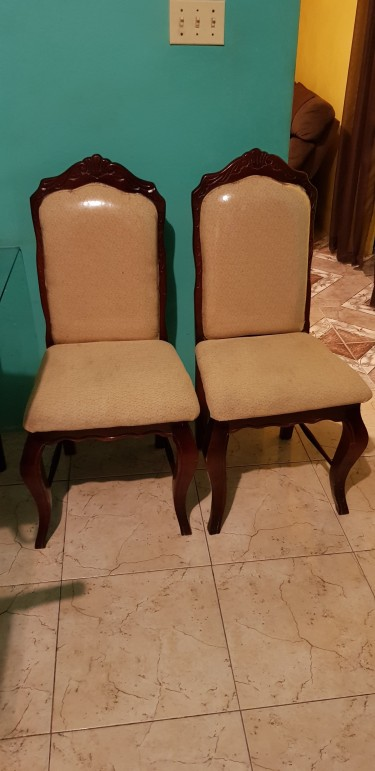 4 Used Dinning Chairs