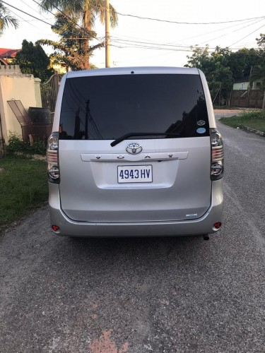 Toyota Voxy Button Start For Rent