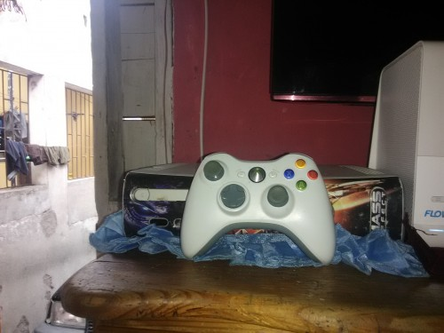 Xbox 360 With 1 Control