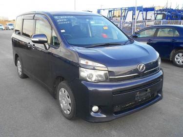 Toyota Voxy Regular