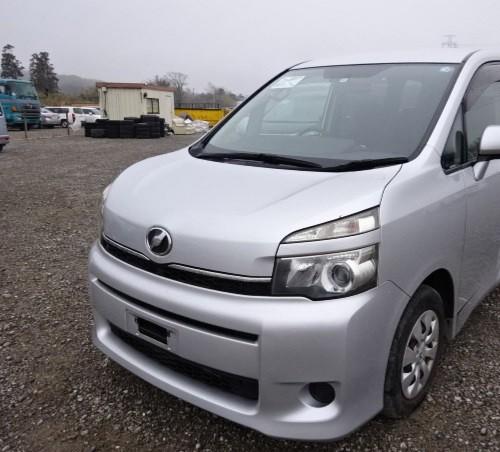Toyota Voxy 2010 Newly Imported
