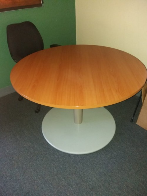 4ft. Round Meeting Table