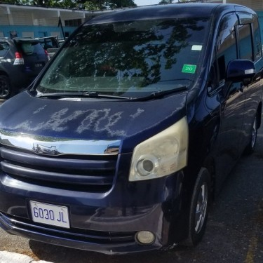 2007 Toyota  Noah For Sale 1.1 Mil