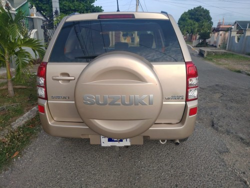*2010 Suzuki Vitara $1.198 Million Negotiable!:**