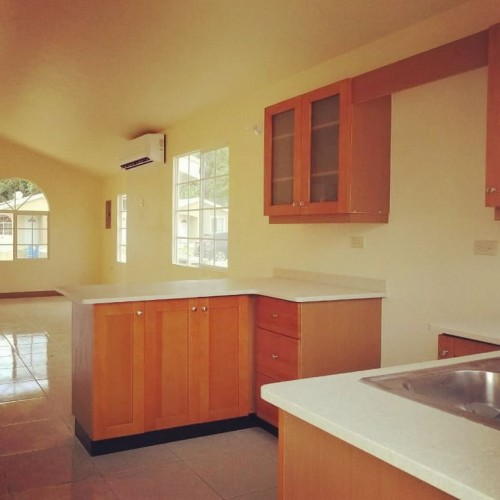2 Bedroom 2 Bathroom Apartments Available