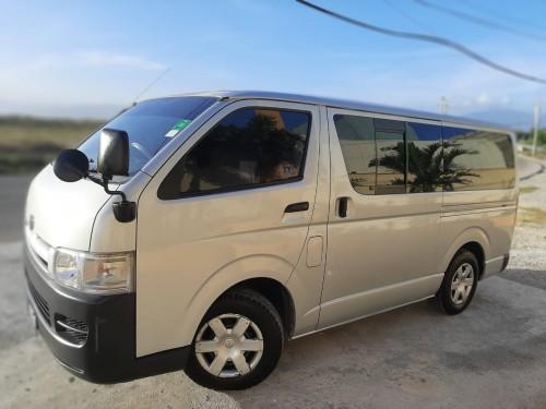 Toyota Hiace Van 2007 18768124403