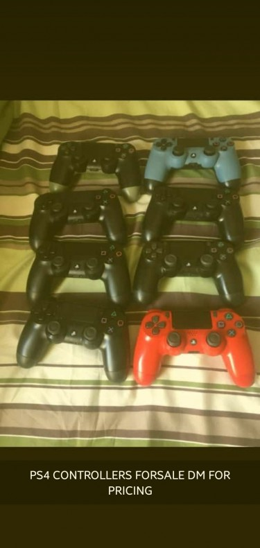Sony PS4 CONTROLLERS