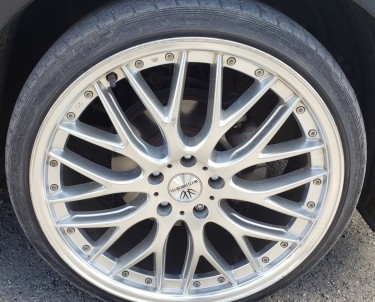 4- 20in Sport Rim And Low Profile Tyres