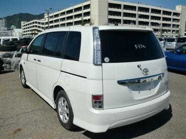 2013 Toyota ISIS Platana