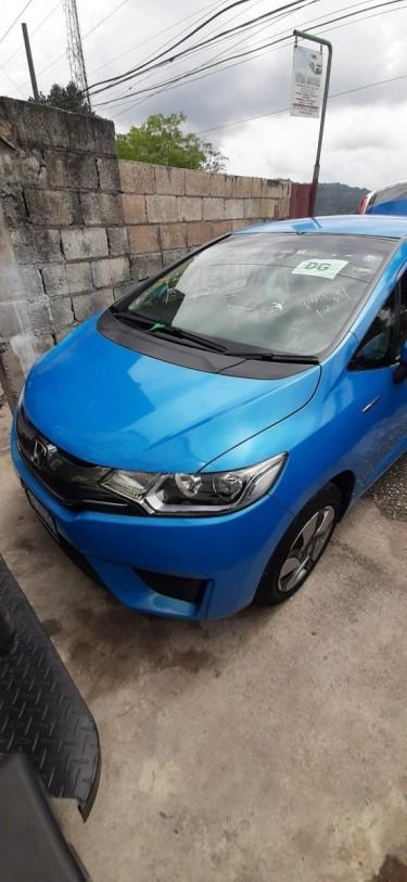 2014 Honda Fit Hybrid,  Reverse Camera, Push Start