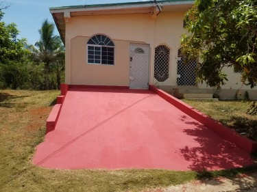 Newly Renovated 2 Acres Property 4 Bedrooms Houses Kitson Town