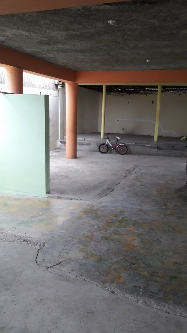 Income Producing Apt-Over 6 Bedrooms Building