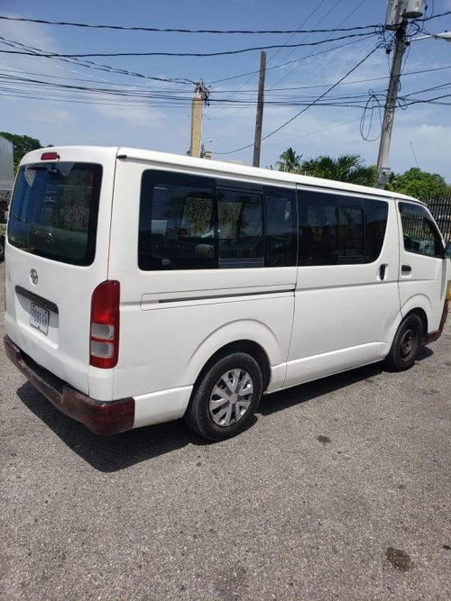 Toyota Hiace Bus For Sale 06