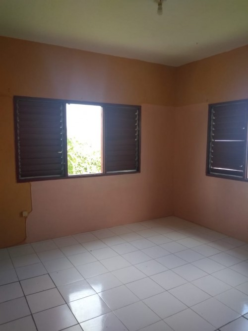 UNFURNISHED 2 BEDROOMS APARTMENT FOR RENT