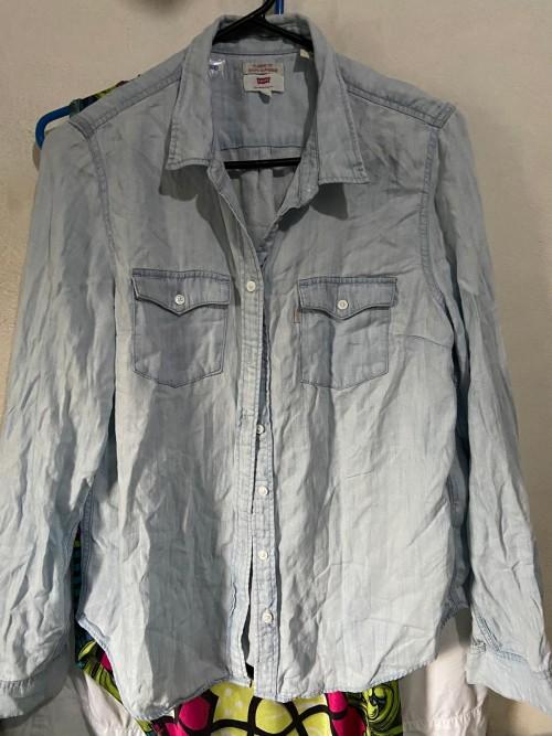 Levi's Jeans Long Sleeve Shirt, Size Large.
