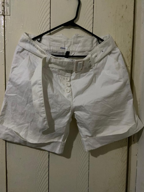 White Cuff Foot Shorts With Belt, Size 12.