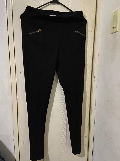 Black Pants With Zip Pockets, Size M